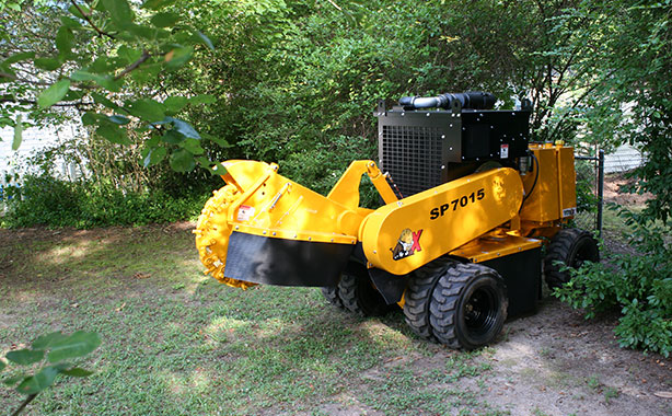 02-sp7015-combines-tight-access-big-cutting-power