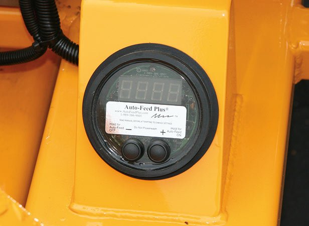 Digitally Controlled Autofeed monitors engine rpm and stops the feed automatically. This system has the ability to start and stop the feed of material into the chipper based on parameters set by the operator.