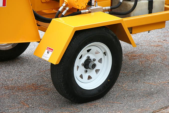 Full 14-inch Tires allow the 660 to be towed at highway speeds.