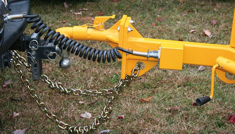 Adjustable Height Hitch easily adjusts to different tow vehicles to keep the chipper level and aid in safe towing.