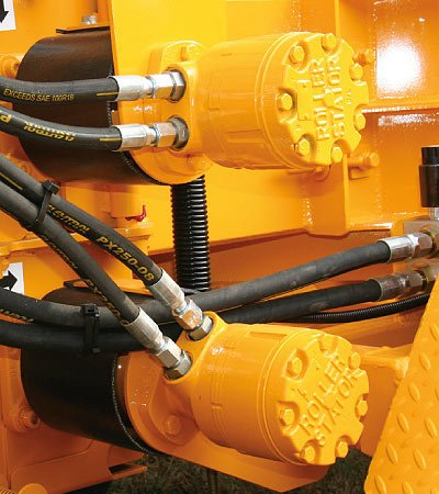 32-Cubic-Inch Feed Wheel Motors give the J.P. Carlton 1712 the power to pull and collapse the toughest limbs and tops.